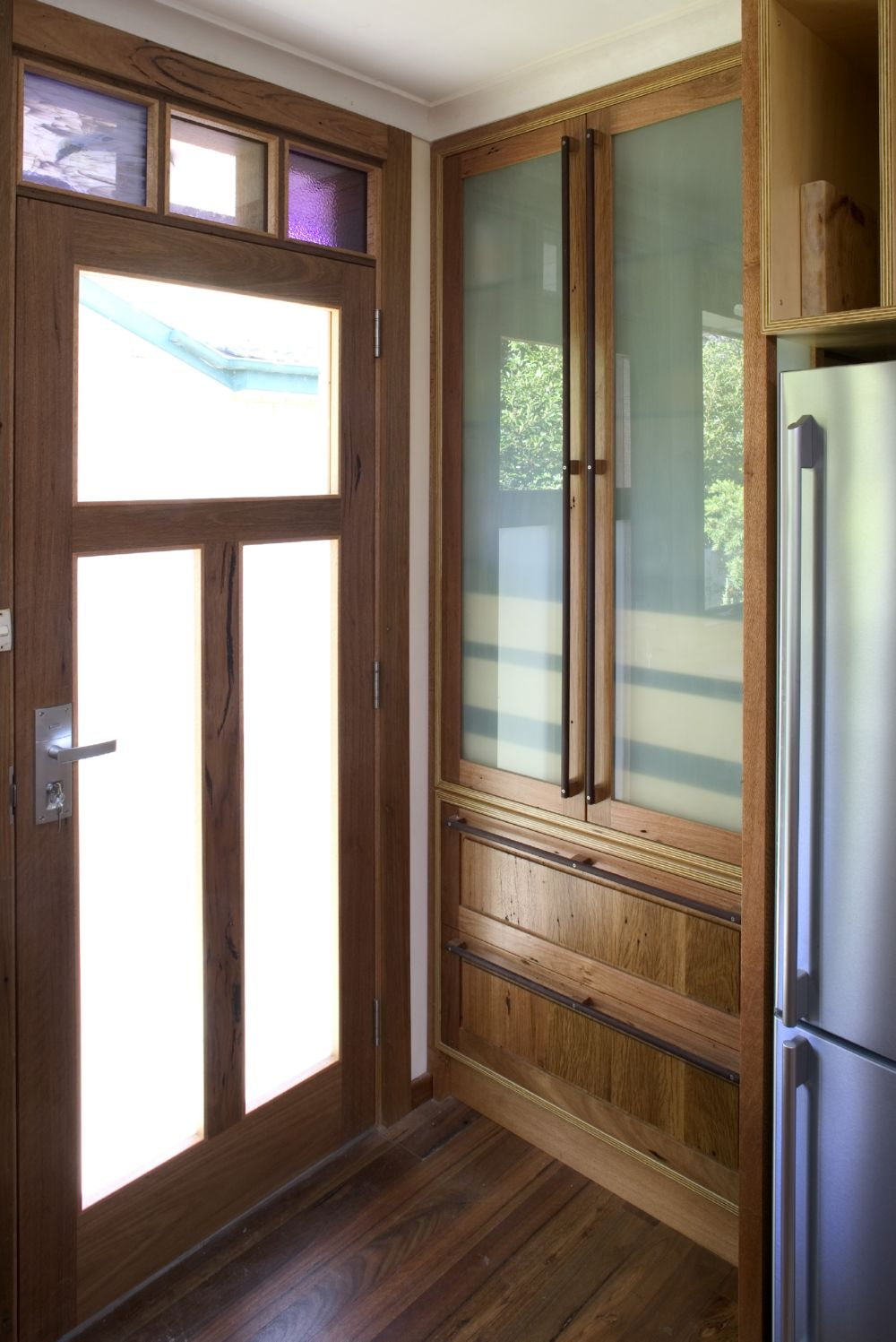 Select Custom Joinery Silky Oak And Plywood Kitchen